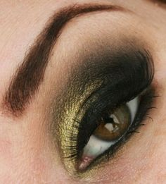 gold/green. 2 of my fave colors for eyes.