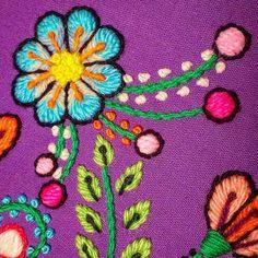 Hasta mañana!! Linda semana para todas ❤❤❤❤ #bordadoamano #bordado #embroidery #bordadoperuano #peru #mercadodehaciendo #flores #colorsoloparami #violeta