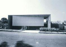 Doméstico moderno. Va de formas puras.  Mendes da Rocha; Casa Antõnio Junqueira. 1976-1980.