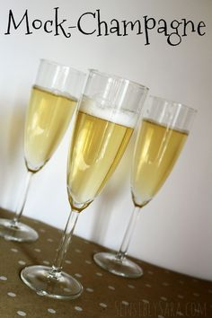 Mock Champagne recipe for kids on New Years Eve! New Years Eve Drinks, Kids New Years Eve, New Years Eve Food, New Years Eve Party, Champagne Punch Recipes, Champagne Recipe, Champagne Drinks, Bisque Recipe, New Year's Food