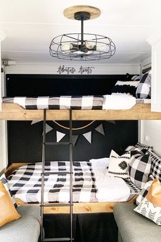 34 Wonderful Glamper Camper Trailer Remodel - There are several choices of towable campers: travel trailers, fifth wheel campers, toy haulers, hybrid campers and pop up or tent campers. The camper. Toy Hauler Camper, Camper Trailers, Travel Trailers, Tent Campers, Farmhouse Toys, Farmhouse Remodel, Glamping, Tyni House, Trailer Decor