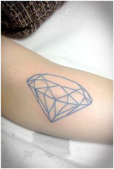 Tatuaje Aparentemente Sencillo Pero Las Lineas Rectas Tienes Su Cosa Jejeje Poco