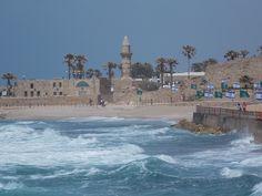 CESARÉIA - antiga cidade e porto marítimo, construída por Herodes, o Grande cerca de 25 - 13 a.C.. Situa-se na costa mediterrânica de Israel.