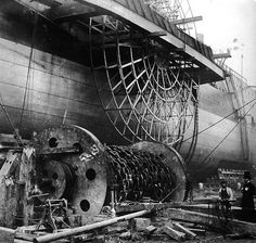 """Industrial Revolution - Construction of the world's largest steamship (at that time) """"The Great Eastern,"""" designed by I. Isambard Kingdom Brunel, Steam Boats, Boring People, Old Boats, Paddle Boat, Boat Painting, History Of Photography, Industrial Revolution, Steam Engine"""