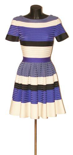 CHRiSTIAN DIOR Robe Christian Dior, Two Piece Skirt Set, Skirts, Dresses, Fashion, Dress, Vestidos, Moda, Skirt