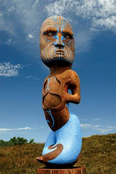 Pouwhenua Maori carved pole of Tangaroa God of the Sea. Aotearoa // photo by Jenny & Tony Enderby for Lonely Planet New Zealand Image, Polynesian People, Maori People, Maori Designs, Nz Art, Maori Art, Kiwiana, Sculpture Art, Metal Sculptures