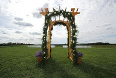 Here is the arch from our Venue decorated.  This looks nice, but I'm not crazy for it.