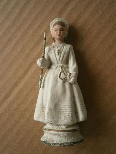 Vintage Figurine communiante farine plâtre 1930 robe communion cierge croix