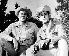 Andy Prine and Earl Holliman - the Guthrie brothers Hollywood Stars, Classic Hollywood, Earl Holliman, Slim Pickens, Archie Bunker, Vintage Tv, Vintage Items, Matt Dillon, Tv Westerns