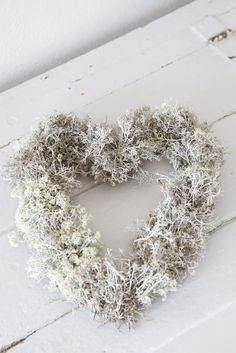 Life Light: NATURE: Love everything on her blog!!! Reindeer moss, lichen covered wire heart.