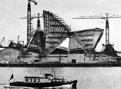 Construction of Sydney Opera House in 1957.