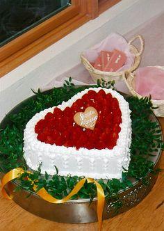 ウェディングケーキ ハート