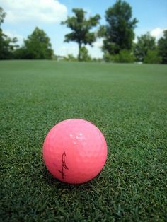 pink golf balls..yes!