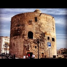 Piazza Sulis sul lungomare di Alghero. È stato uno dei monumenti più visitati, #tagsardegna