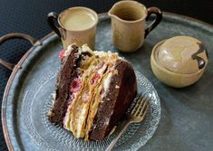 Raspberry Dulce de Leche Chocolate Cake or Torta Mixta in Chile is a delicious, traditional recipe. The combination of flavors is fantastic. Thousand Layer Cake, Chilean Recipes, Chilean Food, Puff Pastry Dough, Cake Flour, Cake Mold, Oven Baked, Yummy Cakes, Chocolate Cake