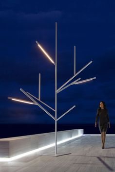 Lifestyle products & home decor for modern creatives Modern Outdoor Furniture, Urban Furniture, Street Furniture, Modern Decor, Modern Lighting, Outdoor Lighting, Lighting Design, Street Light Design, Valencia