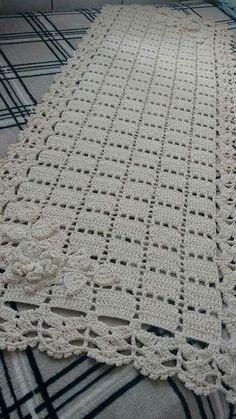 crochet doilies rugs mats and Crochet Doily Rug, Crochet Placemats, Crochet Table Runner, Crochet Home, Crochet Granny, Filet Crochet, Crochet Stitches, Crochet Patterns, Dishcloth Crochet