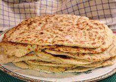 """Svéd 🇸🇪 Lepény kenyér serpenyőben """"Dalatunnbröd"""" """" recept foto Hungarian Recipes, Yummy Snacks, Cooking Time, Bread Recipes, Pancakes, Bakery, Food And Drink, Kenya, Breakfast"""