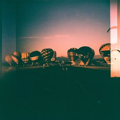 'Another 99 ballons in red' Taken by a #DianaF #Lomogaphy #Lomo #AnalogueLove #Lomografía