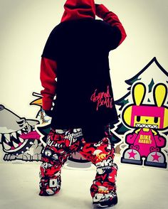 Graffiti artist devil monkey 'DMK' snowboard pants application.  Extreme brand character design. Designed by DOLDOL. www.doldoly.com. #Snowboard #skateboard #sk8 #longboard #surf #hamburg #bike #graphicer #mtb  #스노우보드 #롱보드 #그래피커 #dmk #스노우 #license #graffiti #character #돌돌디자인 #데빌몽키 #힙합 #monkey #인스타그램 #스키장 #그래피티 #헬멧튜닝 #보드복 #휘닉스파크 #스노우보드복