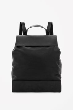 Structured leather backpack - Black - All Articles - COS US Puppy Backpack, Backpack Bags, Leather Backpack, Leather Bag, Black Leather, Accessoires Divers, Trendy Handbags, Michael Kors, Beautiful Bags