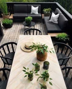 New and Cheap Garden-Backyard Patio Furniture ideas DIY Outdoor Rooms, Outdoor Dining, Outdoor Gardens, Dining Table, Outdoor Patios, Outdoor Kitchens, Patio Table, Backyard Patio, Backyard Landscaping