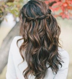 Super hair color ideas for brunettes with black caramel highlights Ideas - Most stylish hairstyles Brunette With Lowlights, Hair Highlights And Lowlights, Black Hair With Highlights, Brunette Highlights, Hair Color Highlights, Hair Color For Black Hair, Cool Hair Color, Chunky Highlights, Hair Colors