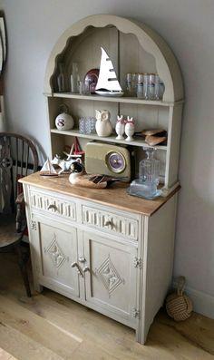 Sweet Dutch dresser upcycled @#Henrypaintsfurniture