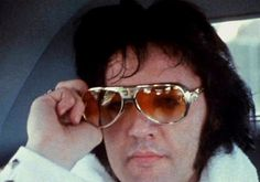 THE KING Elvis On Tour
