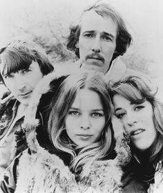 Mamas Papas, John Phillips, Michelle Phillips, Cass Elliot and Denny Doherty Kinds Of Music, Music Love, Rock Music, Rock Songs, Michelle Phillips, 60s Music, Music Icon, Mamas And The Papas, Die Füchsin