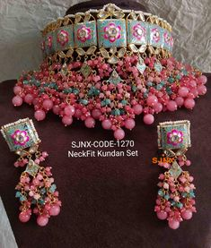 Order Dulhan Jewellery Set Designs via Whatsapp on Our fashion magazine personal shoppers helps you get the stylish look for you. Antique Jewellery Designs, Fancy Jewellery, Indian Jewellery Design, Stylish Jewelry, Diamond Jewellery, Fashion Jewelry, Indian Jewelry Sets, Indian Wedding Jewelry, Wedding Jewelry Sets