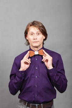 Marius Manole, the romanian great actor is Don Papillon image. His personality and the roles he plays are just like the wood bow ties - versatile and amazing. Marius, Bows, Mens Fashion, Actors, Bow Ties, Celebrities, Plays, Personality, How To Wear