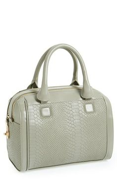 Cute travel bag.