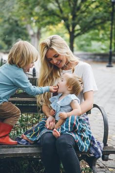 Barefoot Blonde Amber and Atticus feeding rosie in Riverside Cute Family, Family Goals, Happy Family, Barefoot Blonde, Mommy And Me, Baby Fever, Kids And Parenting, Cute Kids, Family Photography