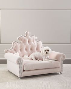 Haute House Isabella Blush Dog or Cat Bed. This is one of the most luxurious and extravagant cat beds you can get. But if your feline deserves pampering then there's no better seat. Cute Dog Beds, Pet Beds, Puppy Beds, Princess Dog Bed, Dog Bedroom, Bed Price, Dog Furniture, Furniture Removal, Furniture Ideas