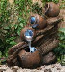 Fuente Cántaros de Agua sobre Madera - Luces LED - Altura 80cm