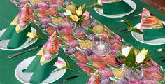 Frühlingszeit ist Tulpenzeit! Hier gibt's die passende #Tischdeko! Easter, Table Decorations, Home Decor, Grill Party, Tulips, Seasons, Summer, Homemade Home Decor, Decoration Home