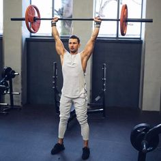 """7,890 curtidas, 97 comentários - Sandro (@sandro) no Instagram: """"Don't stop when it hurts, stop when you're done.  ––––––––––––––– Check out my favorite workout…"""":"""