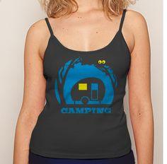 Shirts sind DAS Kleidungsstück des Sommer: Frech und bauchfrei, klassisch mit coolem Print, oder modern und extragroß mit hochgekrempelten Ärmeln. Hier sind meine Lieblingsdesigns für noch mehr Ferienfeeling! www.t-shirt-mit-druck.de