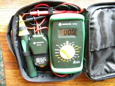 RV And Camper Trailer Electrical Repair : Choosing And Using A Digital Multimeter