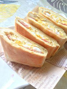 とっても栄養価が高いといわれる高野豆腐!パンの代わりに高野豆腐をつかったホットサ...