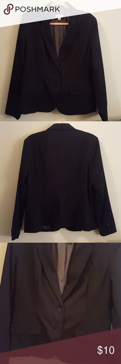 NWOT Merona Black Blazer Size 16 NWOT Merona Black Blazer Size 16. New never worn. Size 16 but will fit a L (large) or XL (extra large). Has to fake pockets in the front and buttons up.   Bundle and save! Merona Jackets & Coats Blazers