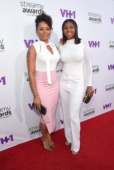 Melanie Brown Photos Photos - Recording artist Melanie Brown (L) and Phoenix Chi attend Annual Streamy Awards at the Hollywood Palladium on Thursday, September 2015 in Los Angeles, California. - The Annual Streamy Awards - Red Carpet Red Carpet Ready, Red Carpet Looks, Mel B Daughter, Hollywood Celebrities, Fashion News, Fashion Women, What To Wear, Peplum Dress, Celebrity Style