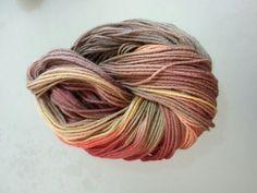 Organic yarn, dyed with plants (Feza Yarn)