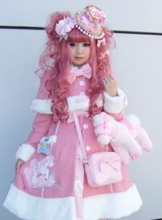 Sweet Lolita // i bet shes warm underneath all that ott junk xD
