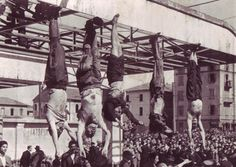 x corpses of Mussolini (second from the left) Petacci (middle) and other fascist leaders hanging upside down in Pizzale Loreto in Milan after being executed by firing squad. Triple Entente, Iconic Photos, Old Photos, Les Innocents, Northern Italy, Interesting History, Achilles, Lake Como, World History