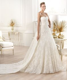 Spectacular Atelier Pronovias Wedding Dresses 2014 Collection