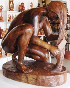 Carved sculpture ,Luis Potosi is an amazing Ecuadorian artist.