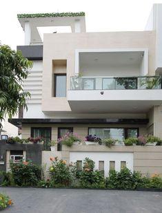 Modern House Facades, Modern Exterior House Designs, Dream House Exterior, Best Modern House Design, Small Homes Exteriors, Modern Bungalow Exterior, Exterior Wall Design, Small Modern Home, Exterior Colors