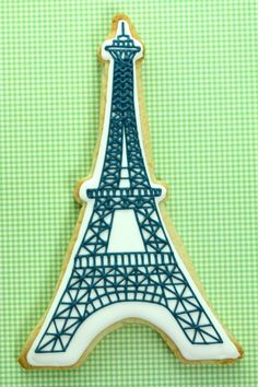The TomKat Studio: How to Make Eiffel Tower Cookies {Tutorial}